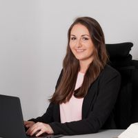 Anika Bütow Mitarbeiter Rechtsanwaltskanzlei advomare