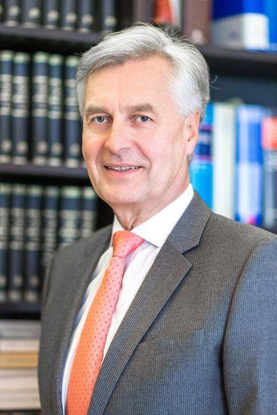 Eduard Kraul Mitarbeiter Rechtsanwaltskanzlei Kraul v. Drathen